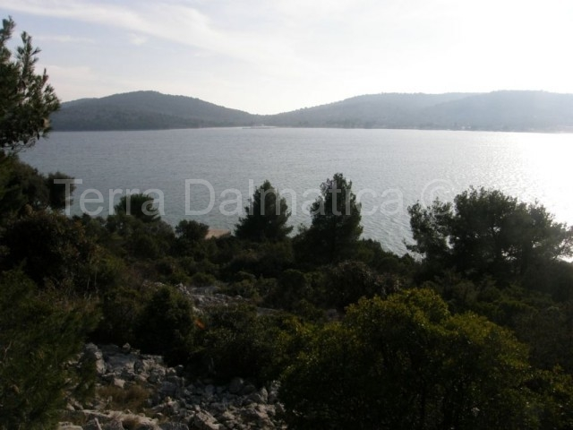 Plot of land in Dalmatia, Murter island, Tisno, 304.000 €